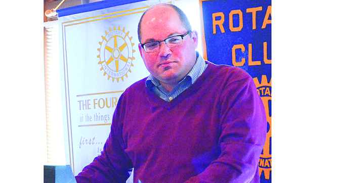 KYVE Station Manager Ryan Rodruck talks to Sunnyside Noon Rotarians about his station and its service to Central Washington.