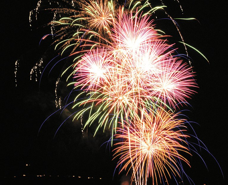 Fireworks explode over the Columbia River in the Eyeopener Lions' annual show.
