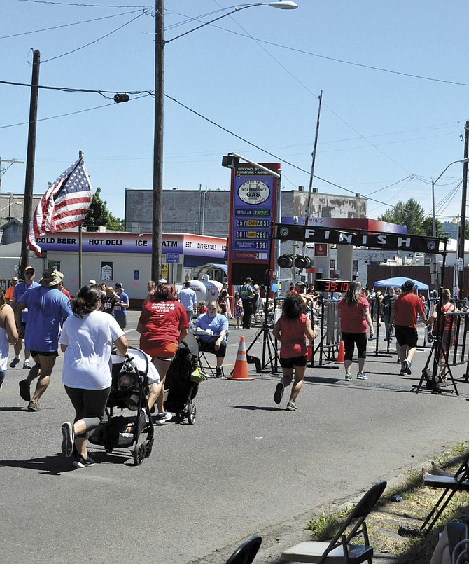 The Monmouth-Independence Mini-Marathon attracted more than 400 runners and walkers on July 4.