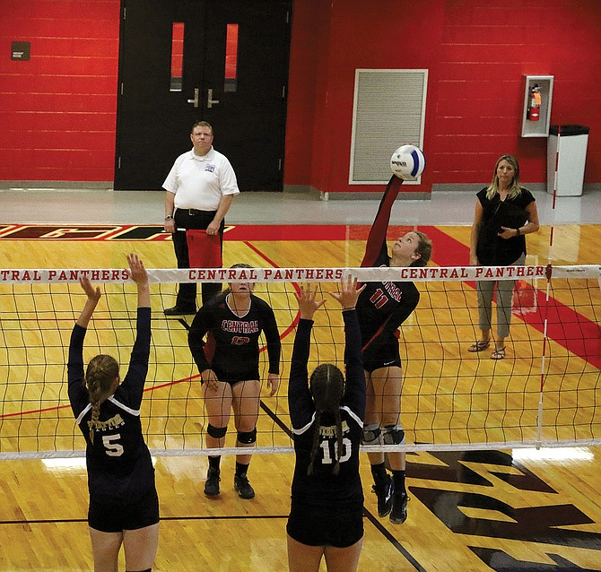 Central's volleyball team opened the 2017 season with a five-set victory on Thursday.