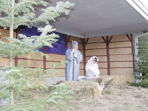 LIVE Nativity scene returns Nov. 30 to Hood River Church of the Nazarene. Shown are Andy Taylor and Julianne Beals in the 2004 presentation.
