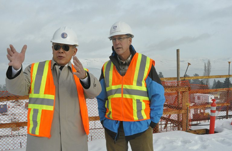 DR. FRANK Toda, CGCC president, left, leads Rep. Walden on a tour of the college work readiness center.