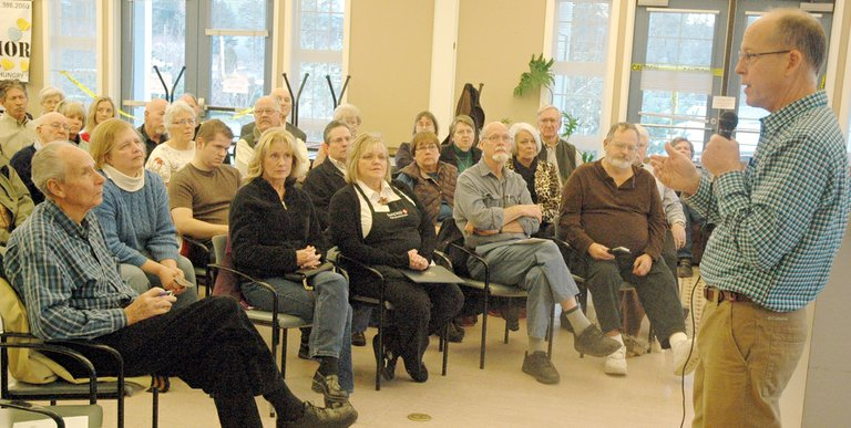 Rep. Greg Walden speaks to constituents January 11, 2013 at the Hood River Valley Adult Center.