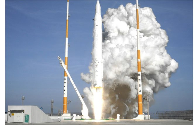 South Korea's rocket lifts off from its launch pad at the Naro Space Center in Goheung, South Korea, Jan. 30.  	AP Photo/Korea Aerospace Research Institute