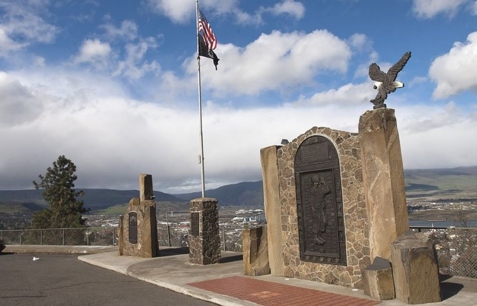 LOCAL VETERANS are proposing the addition of a granite wall behind the existing monument.