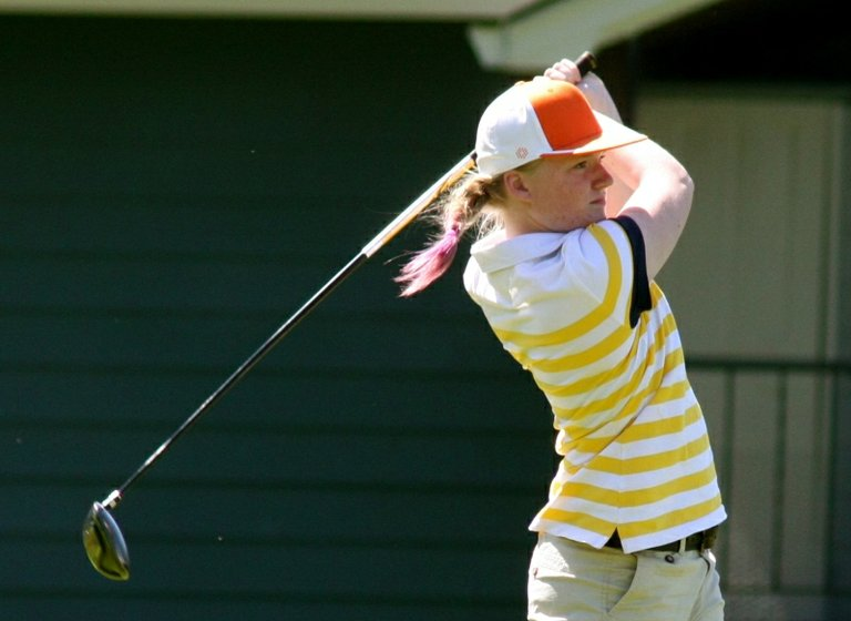 Laura Waller shot a 92 at the 2013 Columbia River Conference league golf championships and finished tied for third individually with teammate Alicia Hay. The Eagles won the girls team title for the first time in school history.