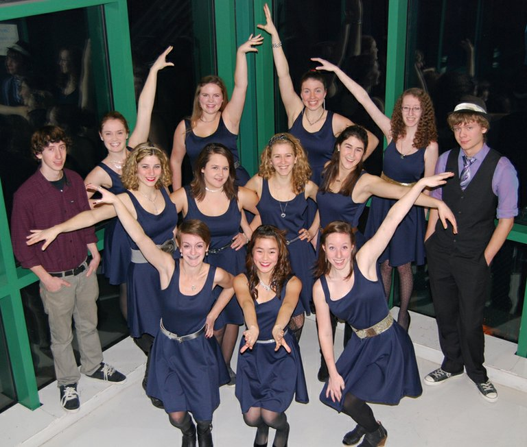 Singing ensemble Aurora performs May 26-27.