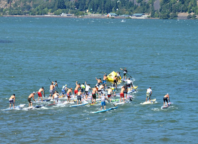Competitors round a bouy in the 2013 Gorge Paddle challenge.
