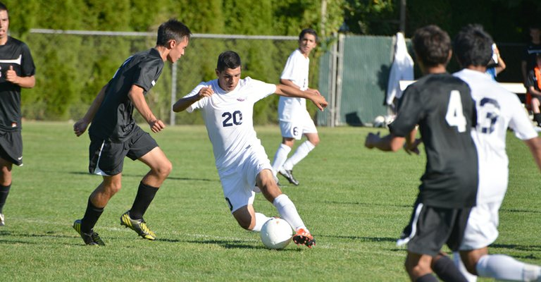 Jaime Frias helped the HRV boys stay undefeated.