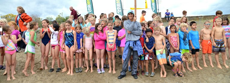 About 290 elementery school kids turned out for the third-annual Gorge Kids Triathlon Sunday morning at Hood River Waterfront Park. The non-competitive event is a fundraiser for physical educa-tion and health programs at Hood River valley's four elementery schools.