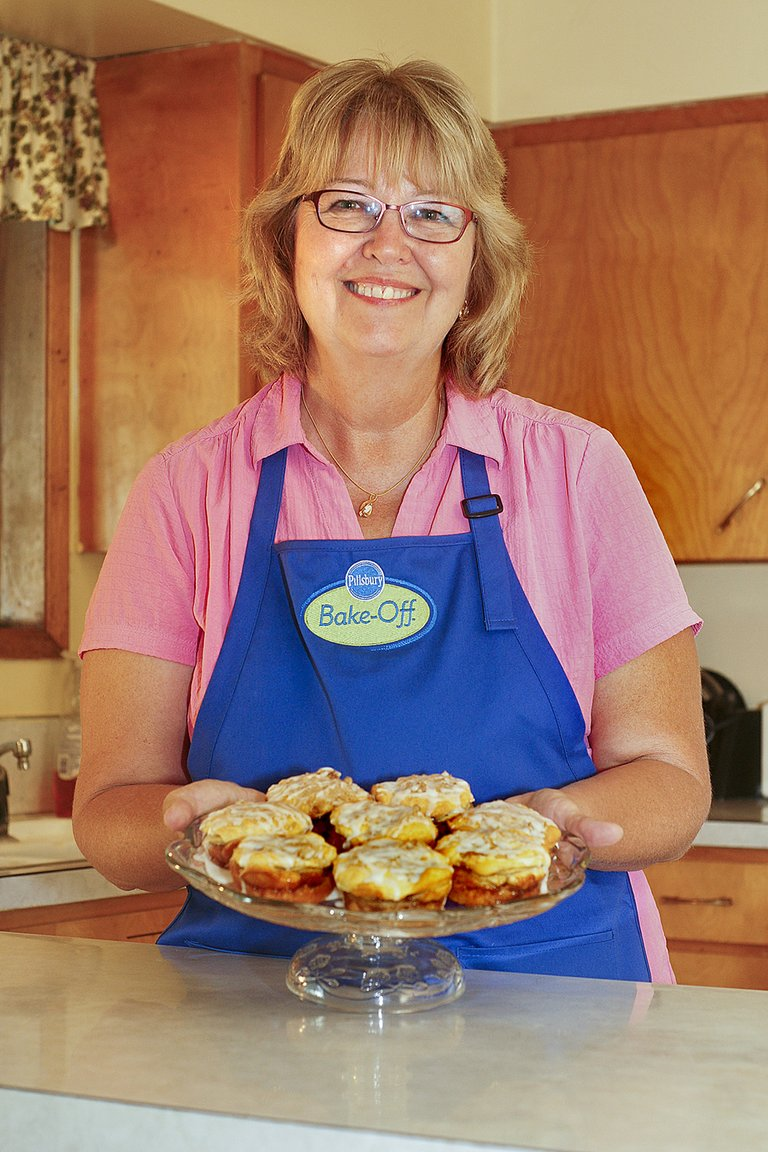 Kelly Story of Sunnyside and her Raspberry Apple Stacks are headed to Las Vegas in mid-November for the 46th Pillsbury Bake-Off Contest. The ASB secretary at Sunnyside High School, Story is one of 100 finalists who have qualified to compete at the national bake-off competition. The amateur bakers will be vying for Pillsbury's top prize of $1 million and $10,000 worth of GE appliances.