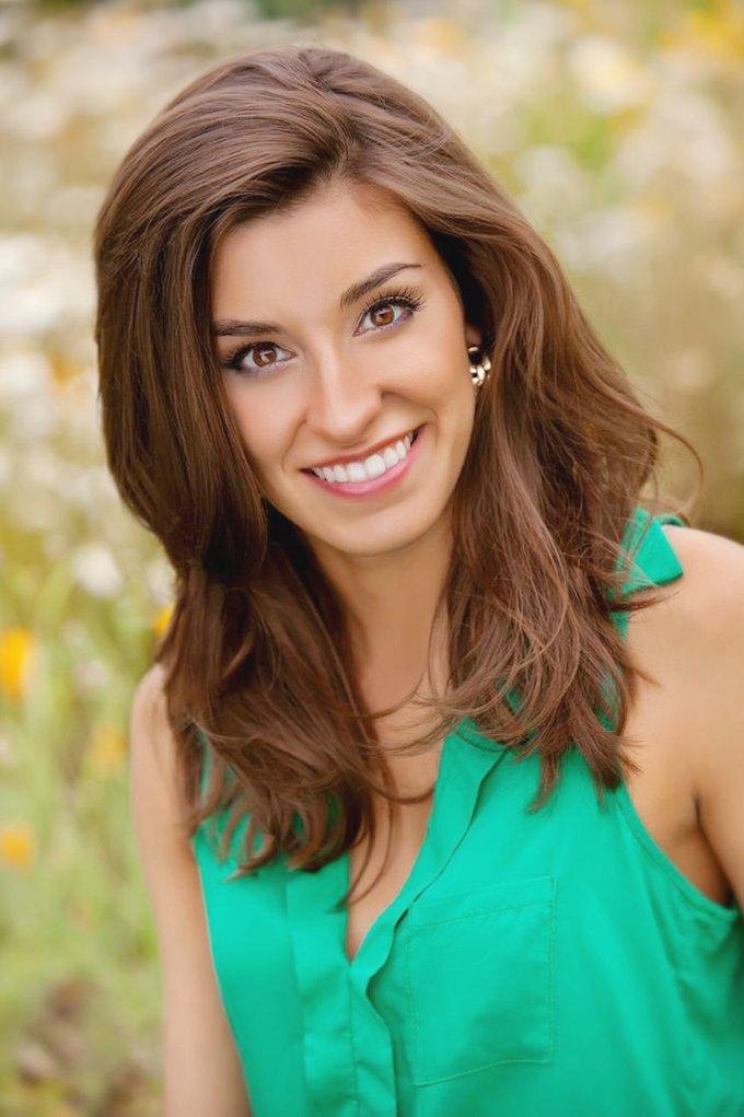 Miss Washington America 2013-14 Reina Almon