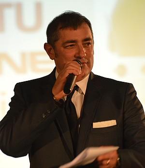 Gavin McAlpine serves as Fashion Gala emcee