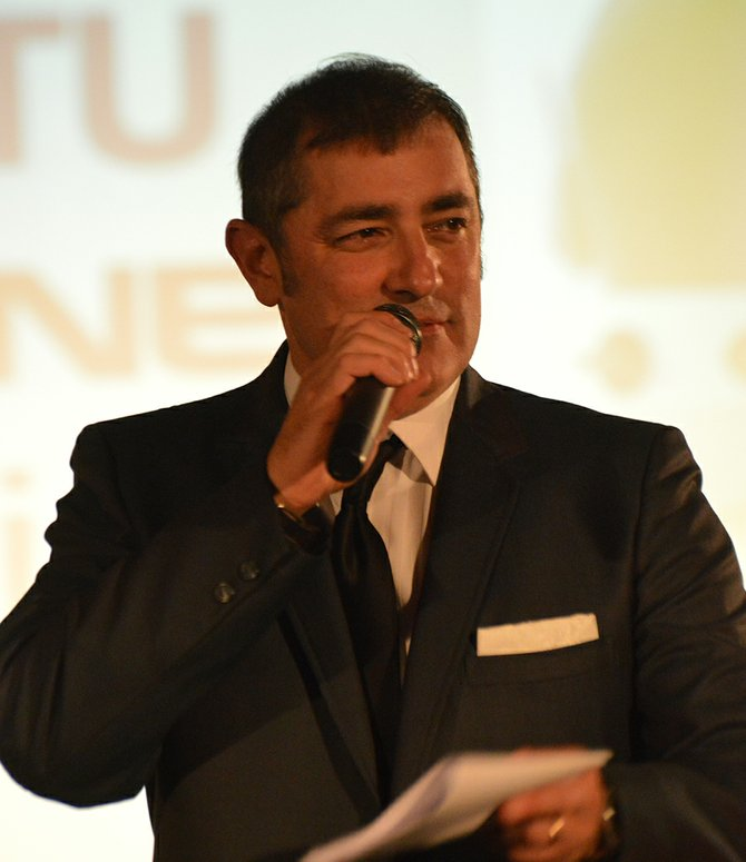Gavin McAlpine serves as Fashion Gala emcee