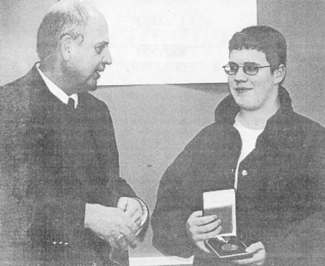 <strong>2004</strong>: Congressman Doc Hastings presented Sunnyside High School junior Danny Mendoza with the U.S. Congressional Bronze Medal for his community service efforts. Mendoza was actively seeking to have a skating park established in the community.