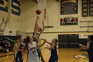 Kelsey Wells had 16 points and 13 rebounds in an 46-33 HRV loss to Aloha.
