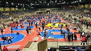 wall-to-wall wrestling over the weekend at the annual Oregon Wrestling Classic in Redmond. The HRVHS team won two and lost three in the tough dual-meet tournament.