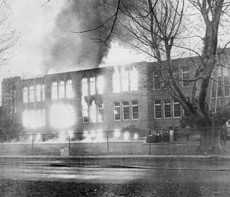 1974: Sunnyside's Chief Kamiakin Elementary School was razed by fire, which forced its 516 students to attend classes at Washington Elementary School.