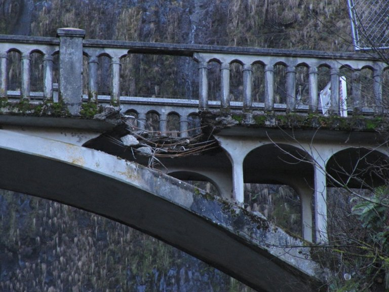 Benson Bridge at Multnomah Falls has been closed since January after a large rock fell and caused extensive damage (seen above) to a portion of the structure.