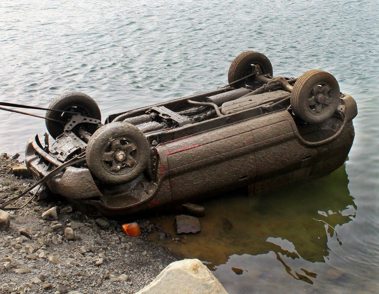 A stolen 2000 Kia Sportage is recovered Monday afternoon from the Columbia River from below Rock Island Dam.