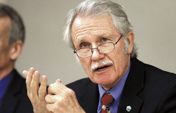 OREGON GOV. John Kitzhaber speaks April 10 during the first meeting of a new task force he created to look into the possibility of legislation on genetically modified foods in Portland.