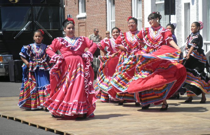 LA LUNA DANCE Team will perform traditional folkloric dances from Mexico and South America during the annual Shaniko Days celebration this Saturday, Aug. 2.	Contributed photo