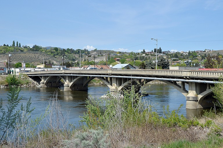 Motorists can expect delays of up to 10 minutes Thursday on the Central Avenue bridge.
