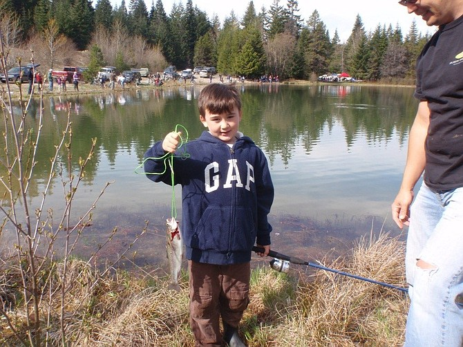 Photo hood river news for Hood river fishing