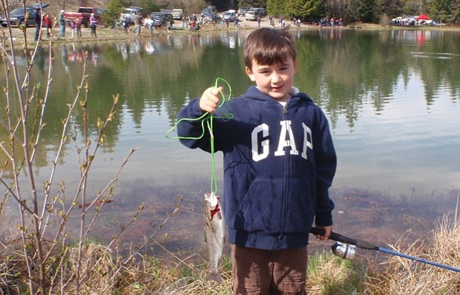 Forest service hosting free fishing clinic for kids the for Oregon free fishing