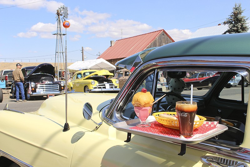 Arts And Cars Part Of Maryhill Weekend Event Sunnyside Daily Sun - Thomas chevy car show
