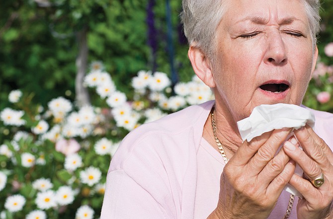 Try some natural methods to fend off allergy symptoms.