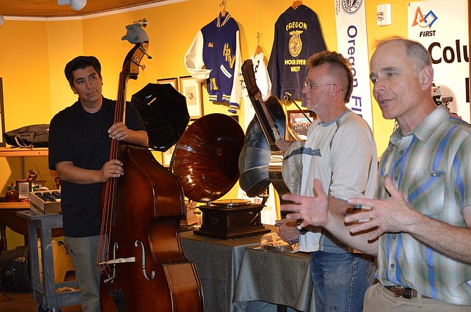 Former Mayor Babitz, Ronnie Ontiveros and Ben Bonham were on hand to play and talk about early music styles, and the inner workings of a spring-powered cylinder machine patented by Thomas Edison.