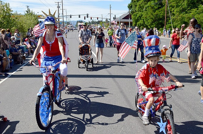 Hood River parade route through the Heights, as seen in this 2014 Hood River News file photo.