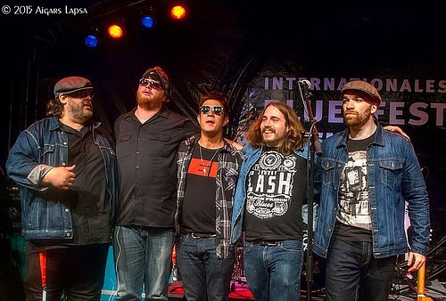The Nick Moss Band returns (albeit it's been since the late '80s) to Hood River with its new blues-jam-band format on Tuesday, Sept. 6 at The Ruins at Springhouse. Music starts at 6 p.m. and local singer Victor Johnson opens the show.