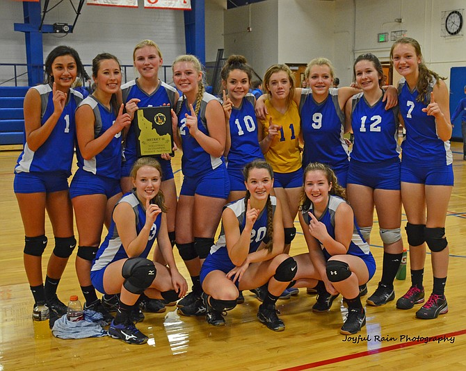 The District III champion Salmon River girls went 1-2 at the 1AD2 state tournament last weekend in Idaho City, where they took eventual state champion Lighthouse Christian to five sets during the first round. Pictured are (back row, from left): Emily Diaz, Maddy Tucker, Sarah Laritz, Miranda Hofflander, Alexis Pottenger, Taylor Ledgerwood, Sydnie Scuka, Tehya Gubitosi, and Jessica Harden; (front row) Payton Branstetter, Chevelle Shepherd and Marissa Gubitosi.