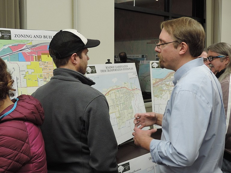 City Senior Planner Kevin Liburdy discusses the plan with residents.