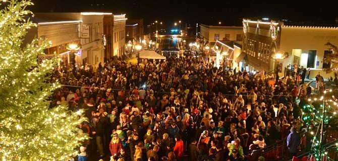 Hood River Holidays — and the annual tree lighting ceremony — takes place downtown on Friday, Dec. 2.
