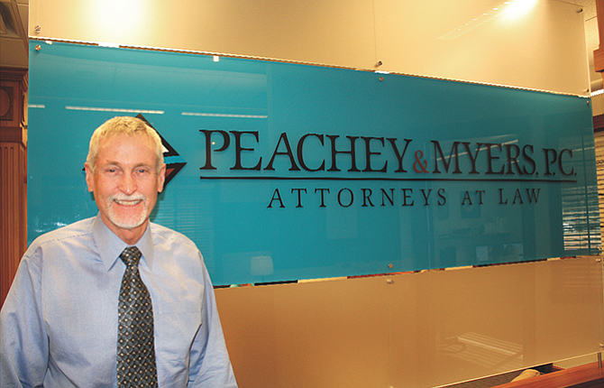 After six years as a municipal court judge, Tom Peachey is leaving the court to serve on the Oregon State Bar Board of Governors and to focus on his law practice.