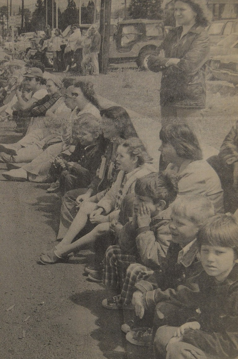 July 7, 1977 — Families who stayed home on the Fourth of July had plenty of diversions. Jackson Park was well populated all day by people who sipped lemonade and snacked on barbecued chicken. Beforehand, many of the same people had lined the streets solid from the Cenex lot on Tucker road to the park.