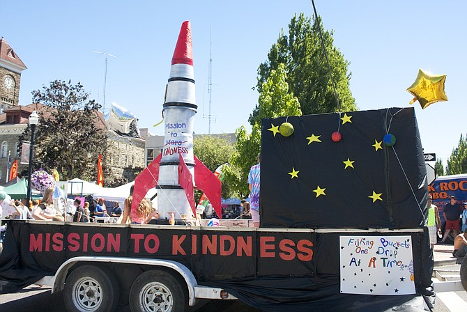 Mission to Kindness in the Summerfest 2017 parade.