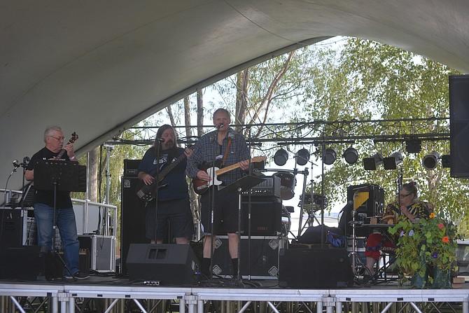 Randy Battle performing at the 2017 Okanogan County Fair.