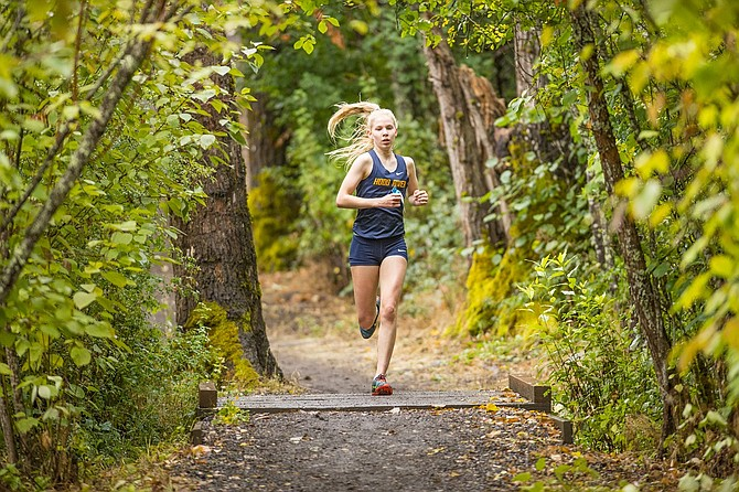 Josephine Dickinson was the top placer for the Eagles on Wednesday at HRV's annual Hood River Skip Sparks XC Festival meet. Josephine finished in third with a time of 21 minutes and 22.83 seconds. Her sister, Frances Dickinson, was trailing closely behind her coming in at 21:36.67, earning her fourth place. The next meet for Hood River cross country is at the Nike Portland XC event.