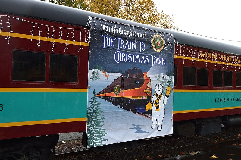 train depot in hood river is where mt hood railroads train to christmas town - Train To Christmas Town