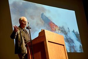 JURGEN HESS speaks about the Eagle Creek fire at a Nov. 30 forum.