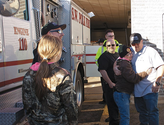 Three Dallas Fire &EMSfirefighters returned home Dec. 20 after more than two weeks battling fires in California.