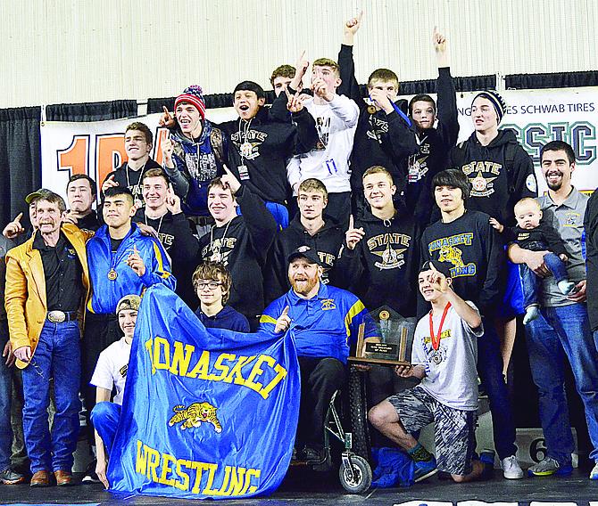 State champion 1B/2B Tonasket High School wrestling team