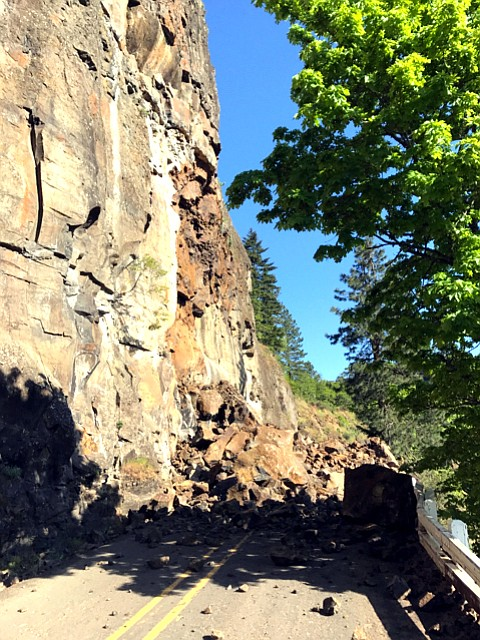 The Dalles  — Construction crews are returning this week to the scene of a big rockfall along U.S. Highway 30.